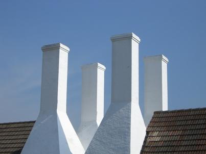 Heizöl-Kessel und Erdgas-Kessel sind seit 2013 für Neubauten in Dänemark verboten (Bild: tutto62 / pixelio.de).
